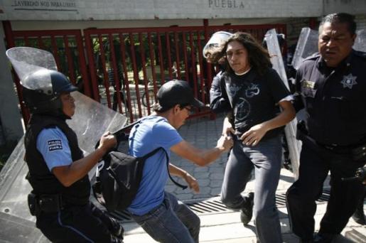 detienen estudiante