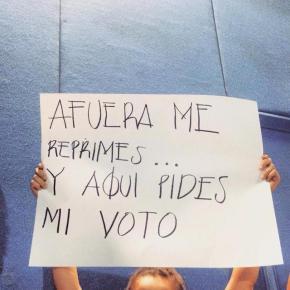 Estudiantes confrontan a candiatos del PRI enITESO
