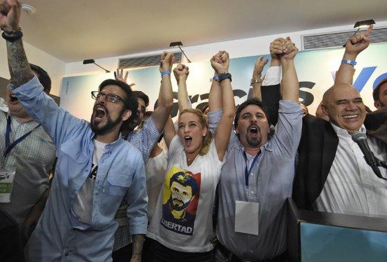 triunfa la oposición en Venezuela